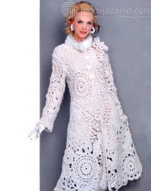 белое пальто крючком