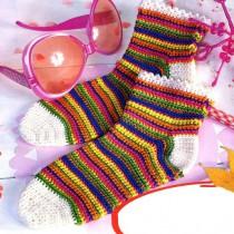 Радужные вязаные носочки