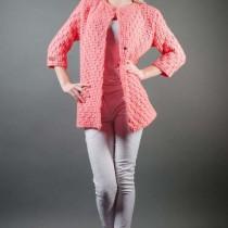 розовое пальто крючком