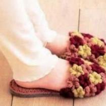 Тапочки с пышными цветами